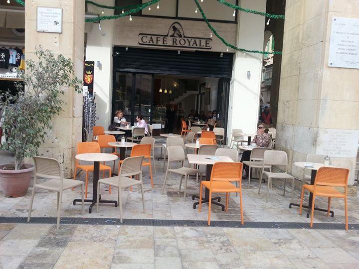 cafe-royal-bora-modern-outdoor-chair-nz