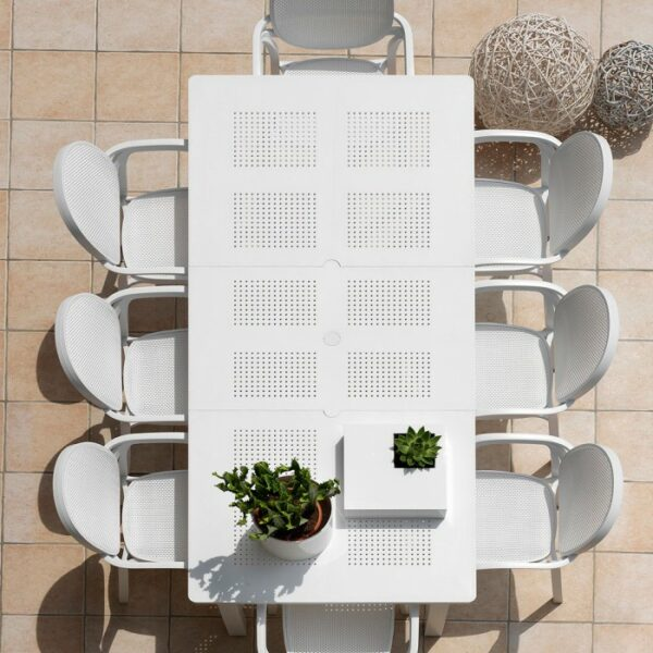 Levante 160-220 Table in White (Birds eye view)