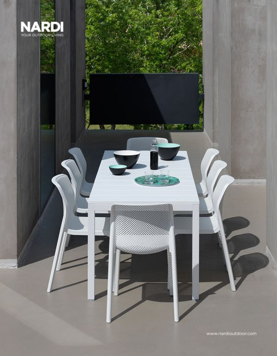 Bit Rio 9 Piece Dining Setting - White (View from end of the table)