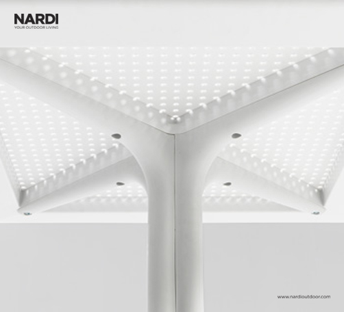Clip Table (White) – View from below