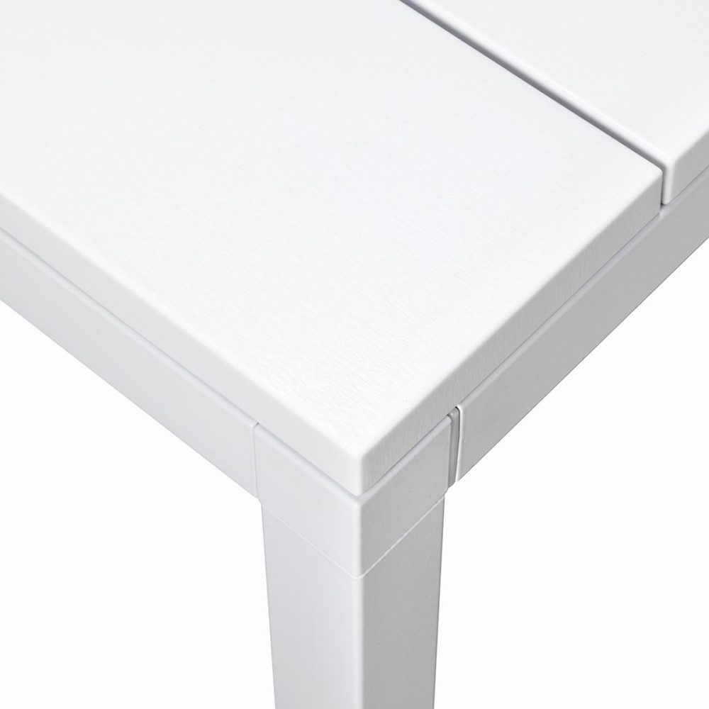 Rio 140-210 Extendable Table in White (Close up on Table Corner & Table Top Texture)