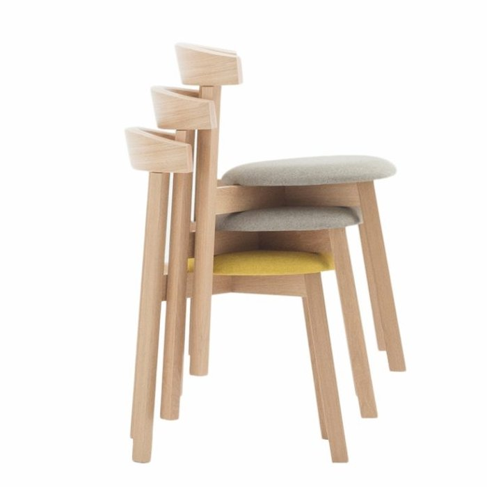 Uxi Chair – Stacked