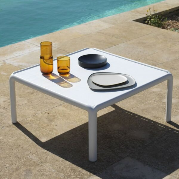 Komodo Outdoor Coffee Table in White (Close Up)
