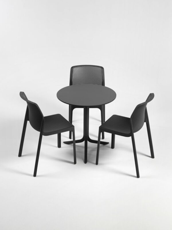 Flute Folding Table Base and Bit Chairs in Charcoal