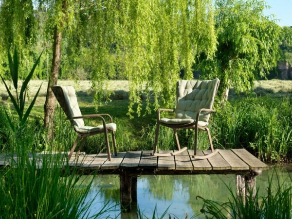 NARDI Folio Cushioned Rocking Chair and Fixed Version in Garden